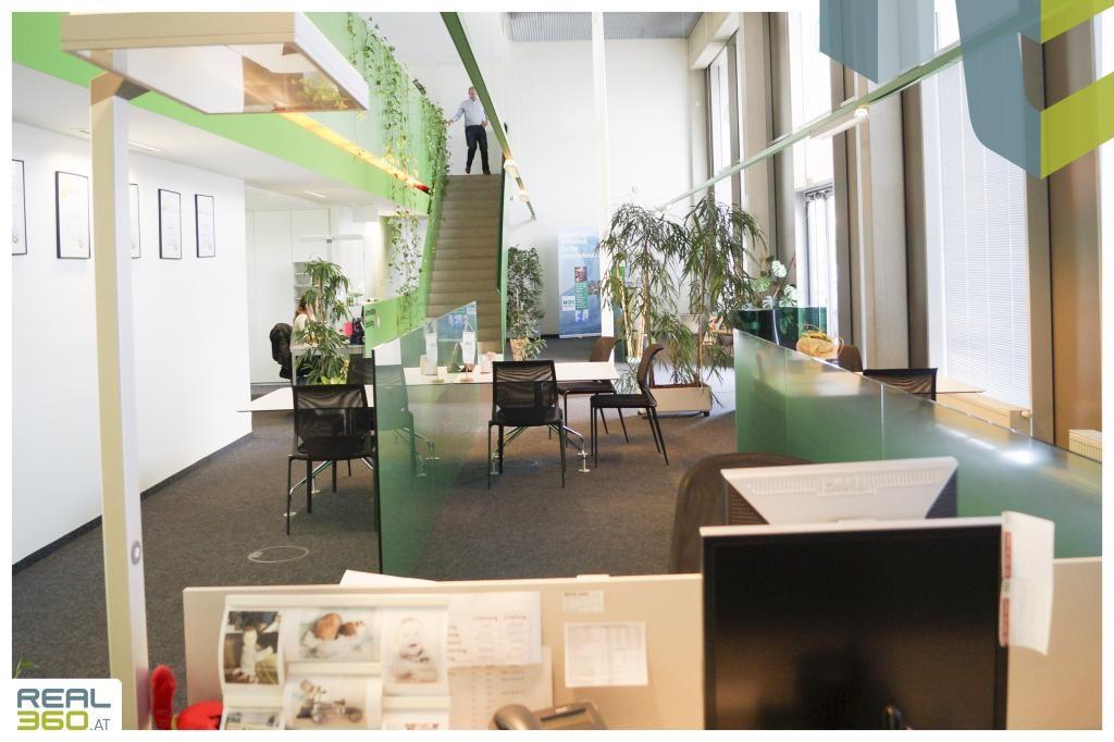 Großraumbüro II