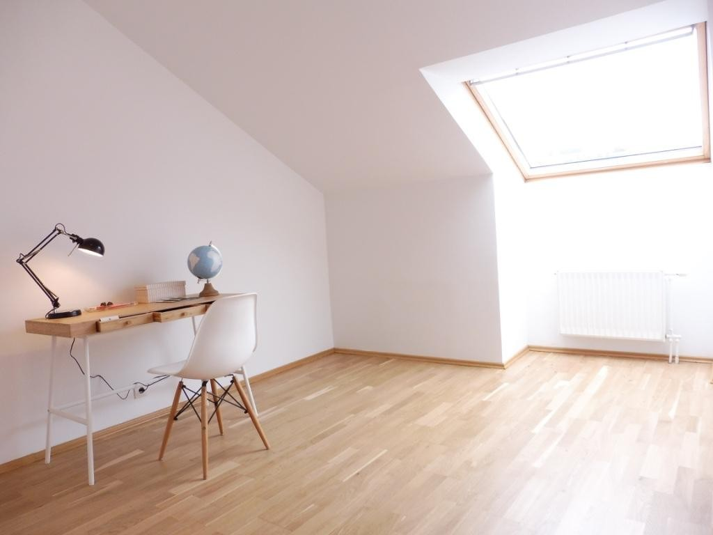 Exquisite Dachgeschosswohnung mit großer Terrasse und herrlichem Ausblick! Nahe zum Augarten! /  / 1020Wien / Bild 2