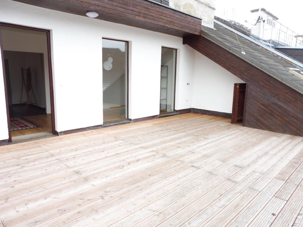 Exquisite Dachgeschosswohnung mit großer Terrasse und herrlichem Ausblick! Nahe zum Augarten! /  / 1020Wien / Bild 4