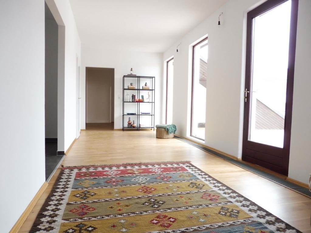 Exquisite Dachgeschosswohnung mit großer Terrasse und herrlichem Ausblick! Nahe zum Augarten! /  / 1020Wien / Bild 6