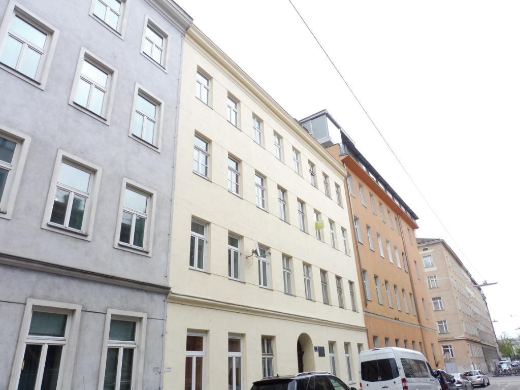 Exquisite Dachgeschosswohnung mit großer Terrasse und herrlichem Ausblick! Nahe zum Augarten! /  / 1020Wien / Bild 13