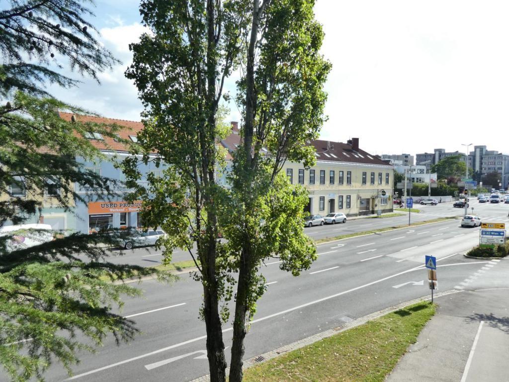 Helle, großzügig aufgeteilte Neubauwohnung in top-saniertem Gebäude /  / 2700Wiener Neustadt / Bild 2