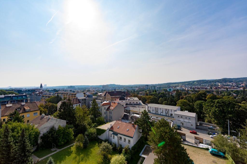 jpgcnt ---- Wunderschöne Aussicht! Luxuriöses Penthouse mit 2 Terrassen am Baumgartner -Casino- Park! /  / 1140Wien / Bild 0