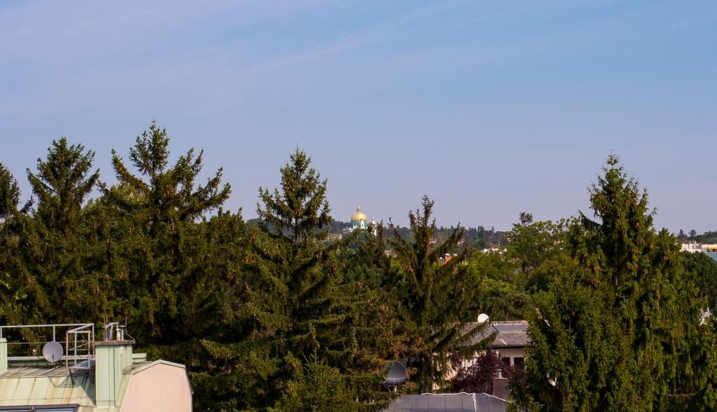 jpgcnt ---- Wunderschöne Aussicht! Luxuriöses Penthouse mit 2 Terrassen am Baumgartner -Casino- Park! /  / 1140Wien / Bild 1