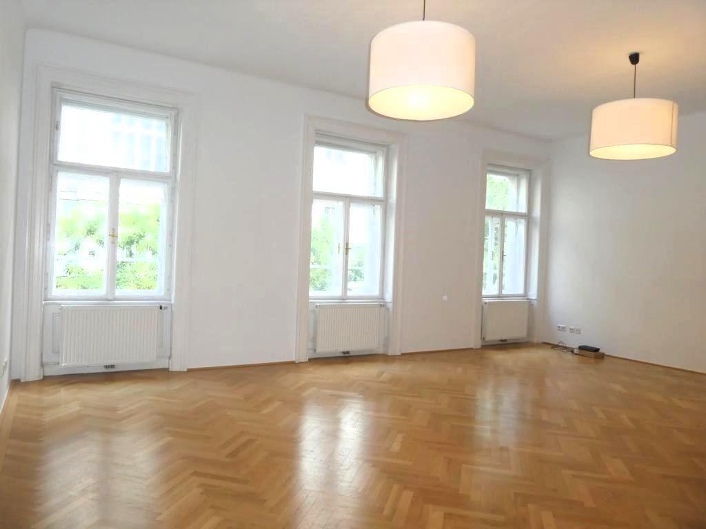 Stilvolle Altbauwohnung - TOP ausgestattet