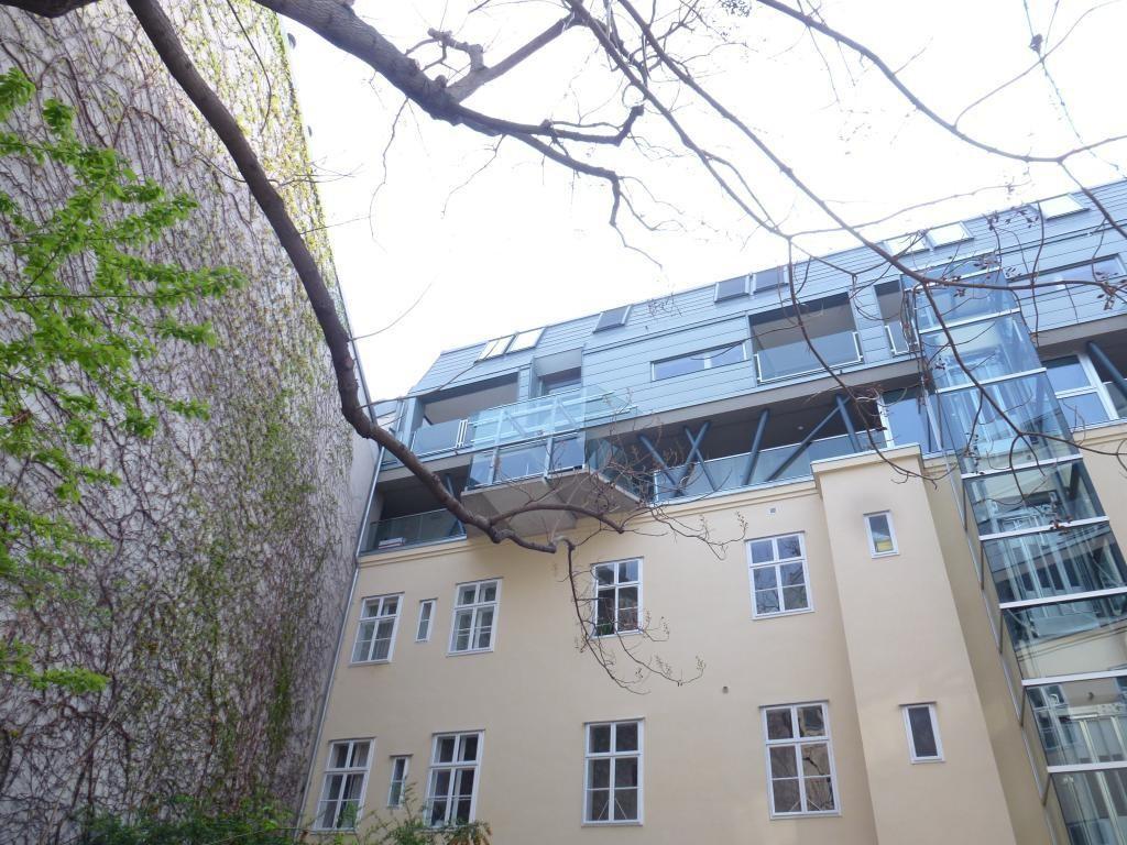 Traumhafte DG-Wohnung mit exklusiver Ausstattung /  / 1080Wien / Bild 1