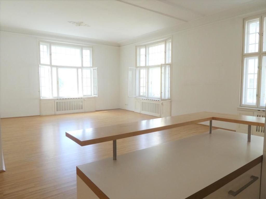 STILVOLL & GROßZÜGIG: Altbauwohnung mit TOP-Austattung /  / 1040Wien / Bild 1