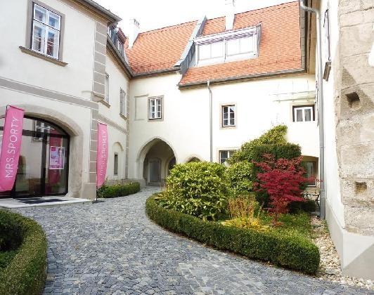 jpgcnt ---- Prachtvolle Dachgeschosswohnung Nahe des Maktplatzes! /  / 2380Perchtoldsdorf / Bild 2