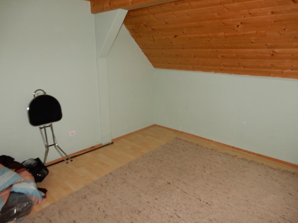 *Landhaus mitten im Dorfzentrum* *Sanierungsbedürftig* /  / 2252Ollersdorf / Bild 2