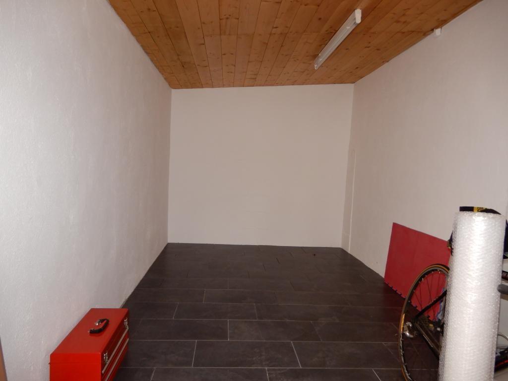 *Landhaus mitten im Dorfzentrum* *Sanierungsbedürftig* /  / 2252Ollersdorf / Bild 9