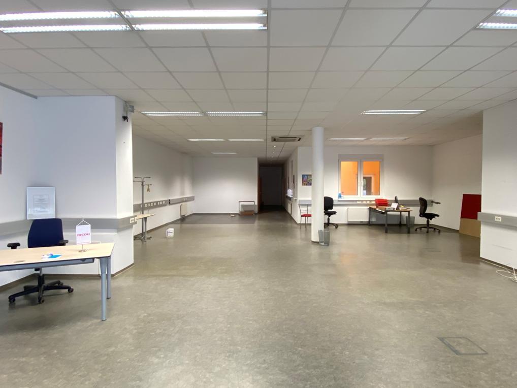 Büro-/Geschäftseinheit EG Top1