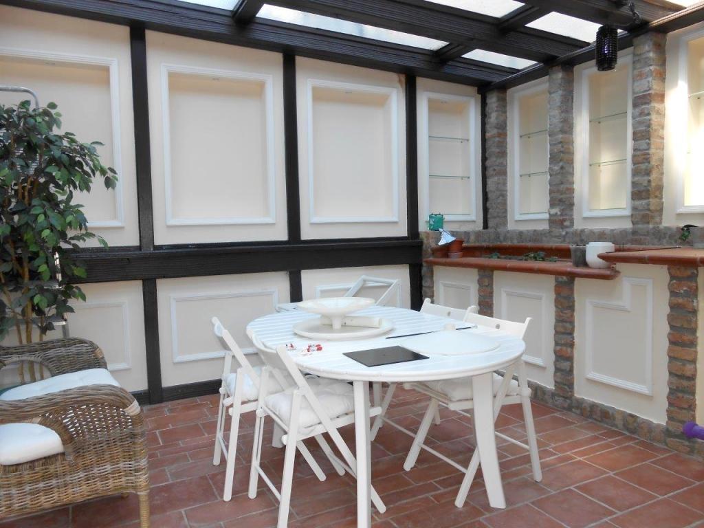 sehr hübsches Reihenhaus mit Terrassen und Garten, komplett renoviert! /  / 1190Wien / Bild 3