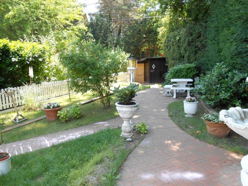 sehr hübsches Reihenhaus mit Terrassen und Garten, komplett renoviert! /  / 1190Wien / Bild 4