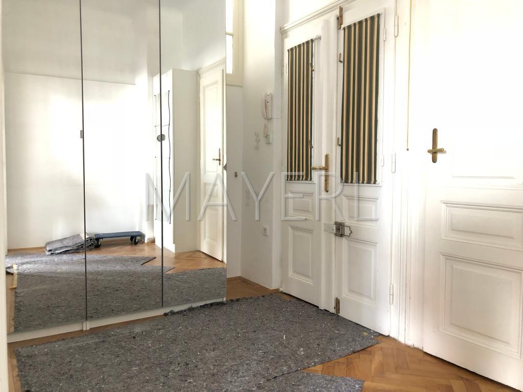 renovierte Altbauwohnung mit Balkon in schönem Jugendstilhaus /  / 1190Wien / Bild 0