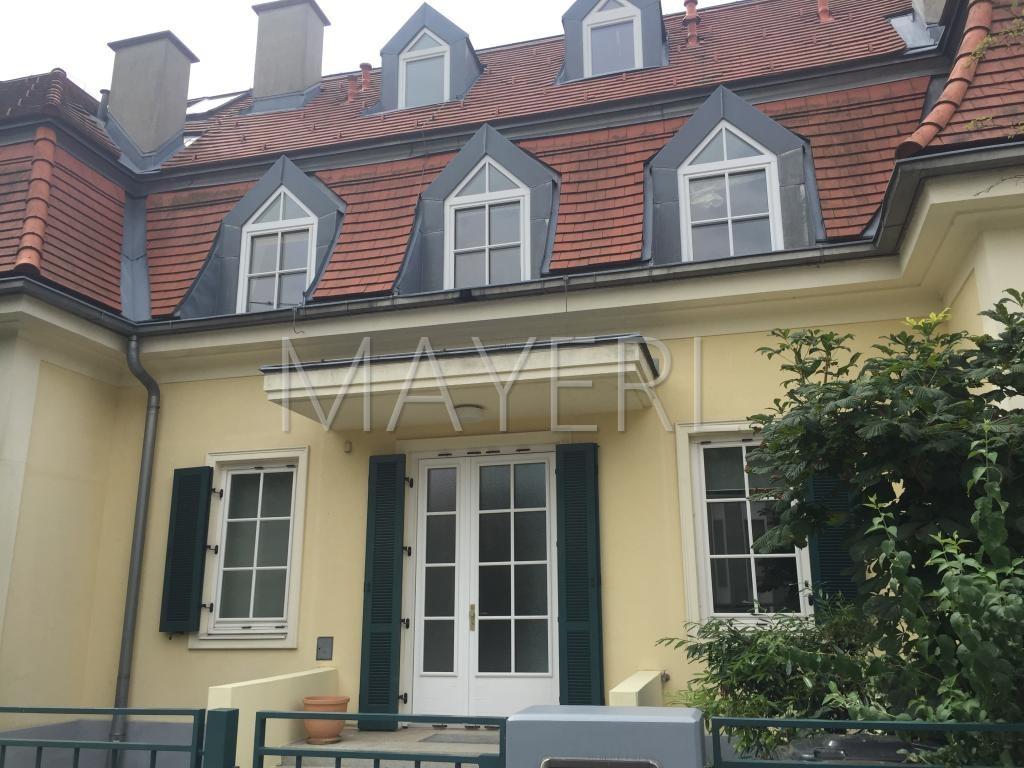 grosszügige Doppelhaushälfte mit kleinem Garten in ruhiger Lage /  / 1230Wien / Bild 1