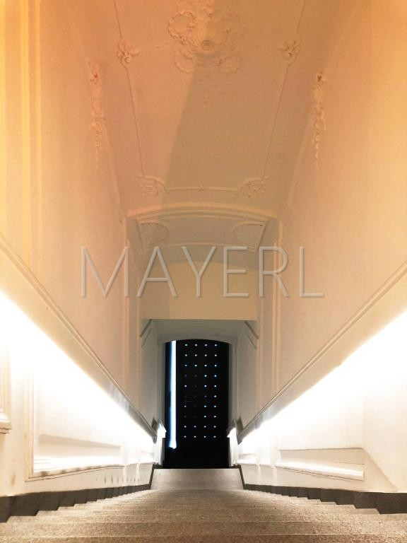 jpgcnt ---- stadtnahe, modern ausgestattete Altbauwohnung mit Balkon - unbefristet /  / 1060Wien / Bild 1