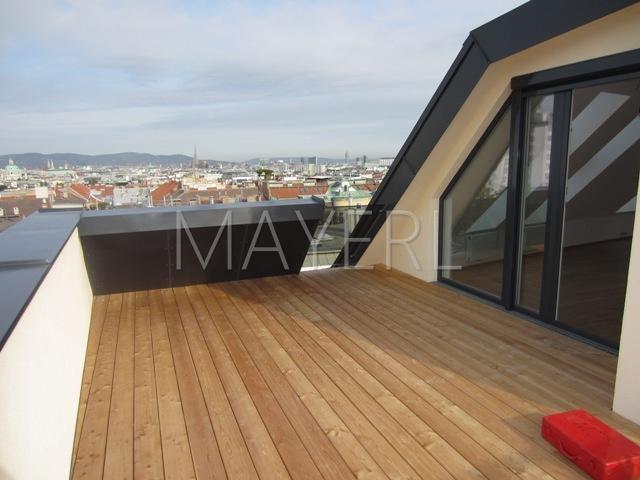 Dachterrassenmaisonette mit toller Aussicht in Jahrhundertwendehaus, unbefristet /  / 1040Wien / Bild 1