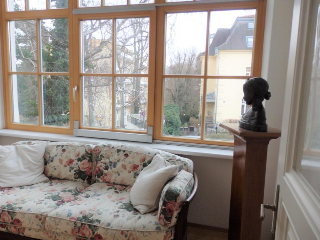 jpgcnt ---- kleine schmucke Villa - Nähe Rosarium /  / 2500Baden / Bild 1