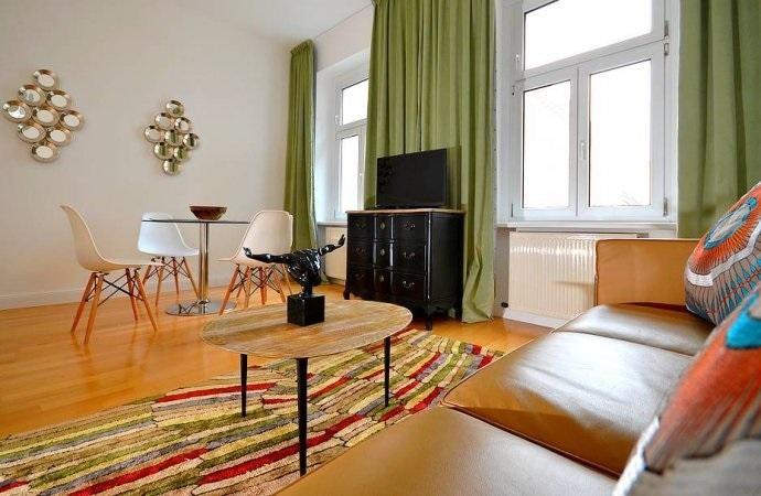 DESIGN-MÖBLIERTE STUDIO - CHARMING VIENNA FURNISHED APARTMENT /  / 1090Wien / Bild 1
