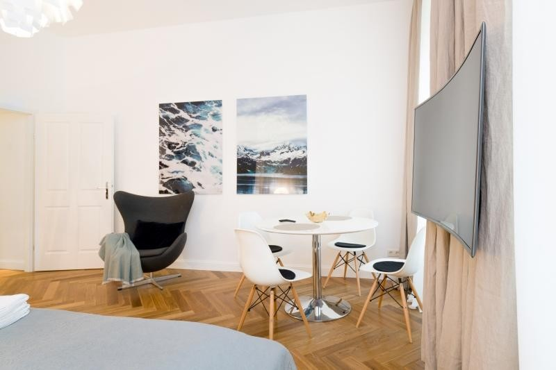 DESIGN-MÖBLIERTE STUDIO - CHARMING VIENNA FURNISHED APARTMENT /  / 1090Wien / Bild 9
