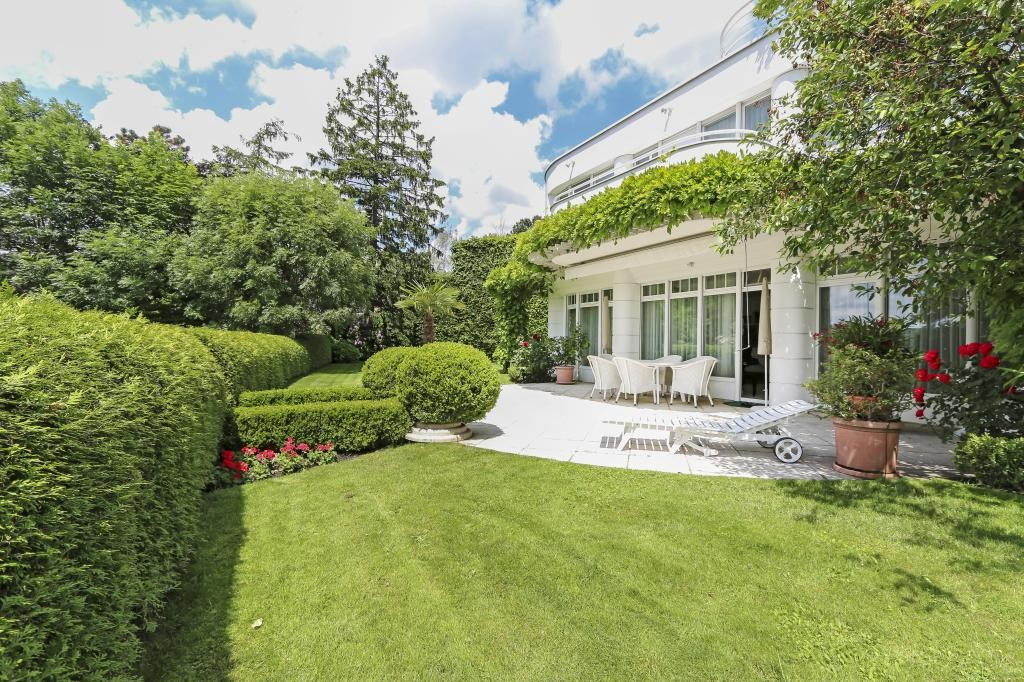 Familien Wohntraum mit gepflegtem Garten und wunderschönem Fernblick