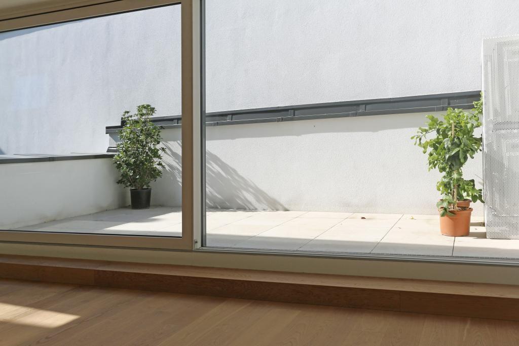 Dachgeschoss-Wohnung mit Terrasse in bester Lage - hat außergewöhnliches Potenzial /  / 1190Wien, Döbling / Bild 0
