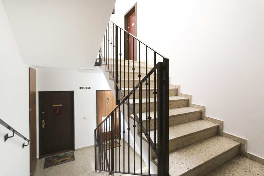 Komplett neu Top-sanierte Wohnung   M I T   Garagenplatz /  / 1160Wien, Ottakring / Bild 0