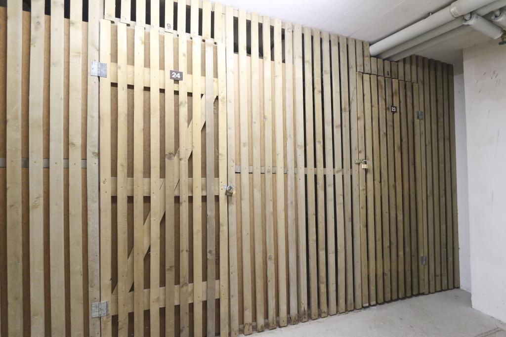 Komplett neu Top-sanierte Wohnung   M I T   Garagenplatz /  / 1160Wien, Ottakring / Bild 3