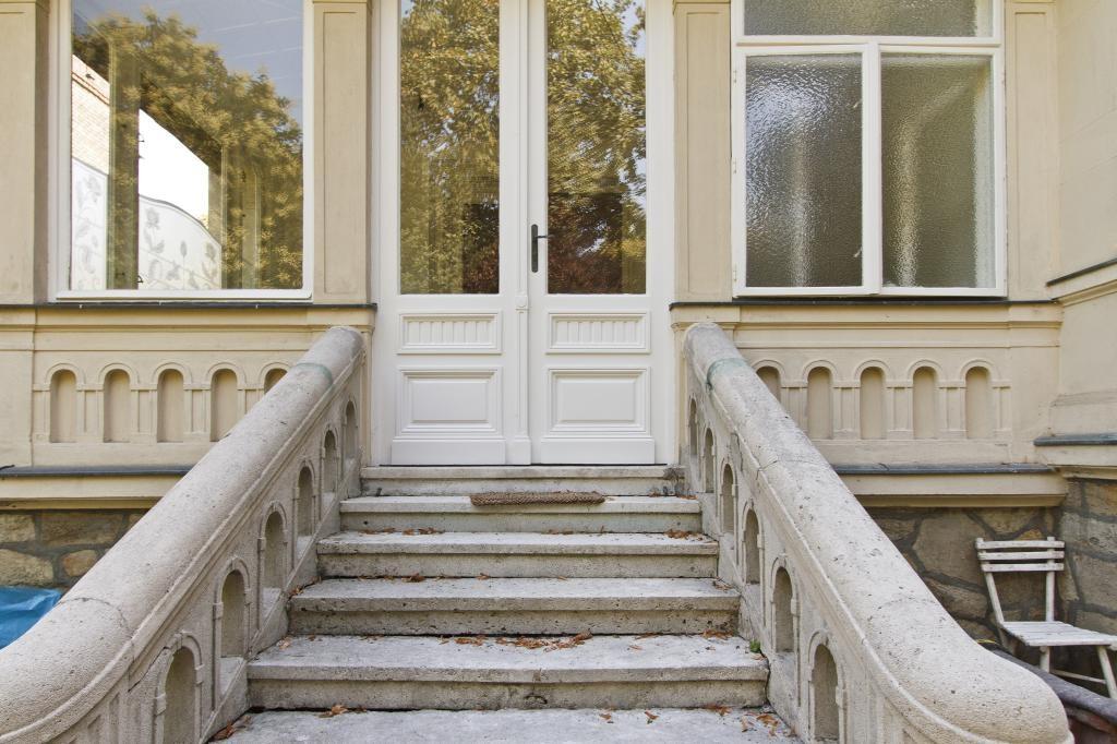 jpgcnt ---- Exquisite Villenetage mit Eigengarten /  / 1190Wien / Bild 0