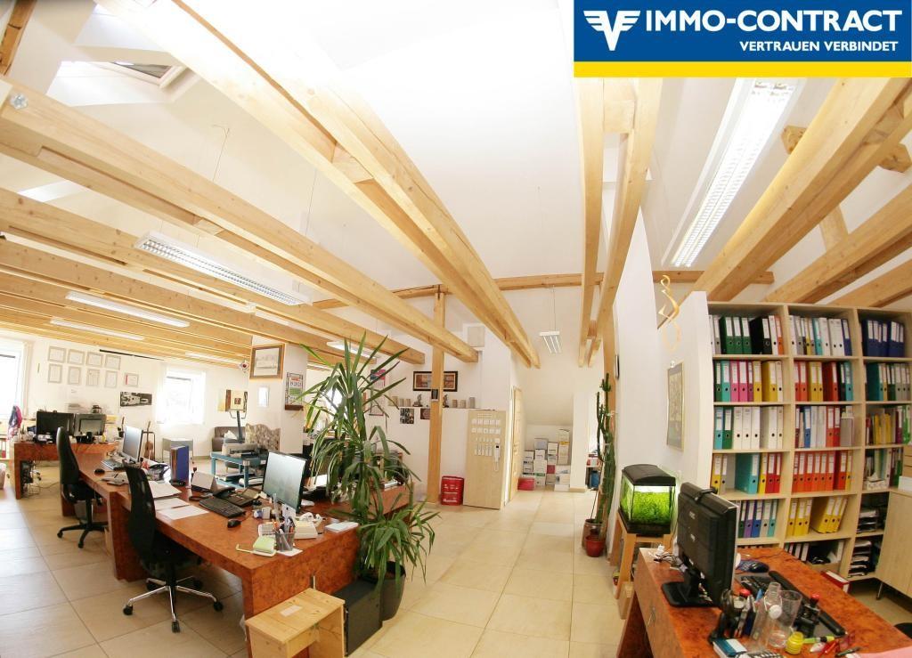 Exklusive Dachgeschosswohnung in Aussichtslage /  / 4084St. Agatha / Bild 2