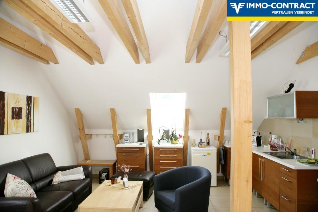 Exklusive Dachgeschosswohnung in Aussichtslage /  / 4084St. Agatha / Bild 3