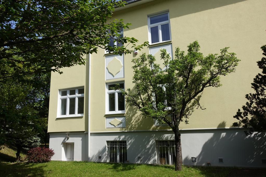 Villenetage mit Balkon und Gartenbenützung Erstbezug nach Renovierung /  / 1130Wien / Bild 1