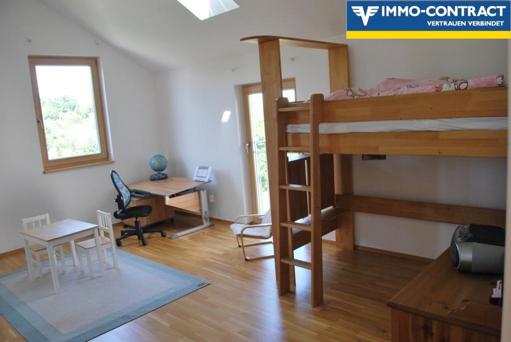 jpgcnt ---- Hanglage und geniale Aussicht - familienfreundlich mit Platz für Büro oder Praxis /  / 3400Klosterneuburg / Bild 0